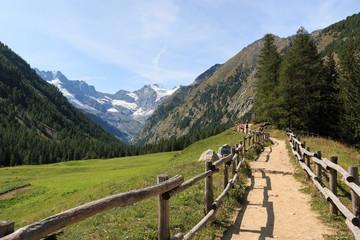 sentiero verso il rifugio Vittorio Sella - Parco Nazionale del Gran Paradiso