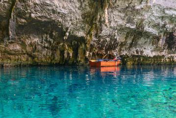 Melissani Cave na wyspie Kefalonia, Grecja