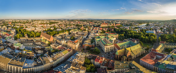 Kraków - panorama starego miasta z lotu ptaka. Widok na ulicę Grodzką i Bazylikę Franciszkanów.