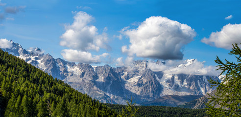 Mountain range of the Gran Paradiso Group, Val D'Aosta, Italy.