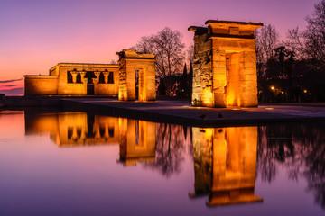 Świątynia Debod w nocy, Madryt, Hiszpania