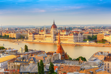 Budapest city skyline at Hungalian Parliament and Danube River, Budapest, Hungary