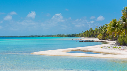 Pink sandy beach in French Polynesia, lagoon panorama