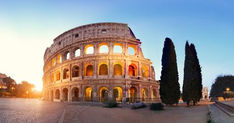 Panoramiczny obraz Koloseum (Rzym)