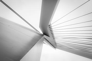 Abstrakcjonistyczna architektura w czarny i biały