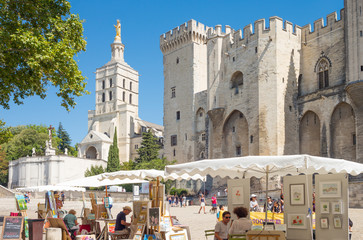 Architectures and monuments of Avignon