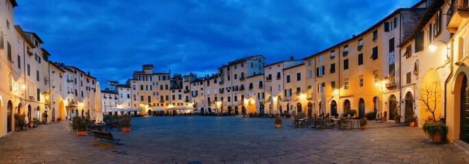 Piazza dell Anfiteatro night panorama