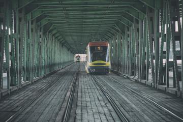 Tramwaj, most