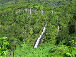 Saint Benoit / La Reunion: The Bridal Veil Falls are located at about 500 m altitude along the mountainous rampart that separates the Salazie cirque and the plateau forest Belouve