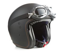 Kask motocyklowy z otwartą twarzą.