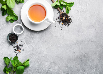 Czarna herbata z miętą