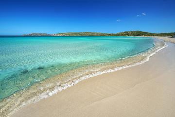 kristallklares Wasser am Strand