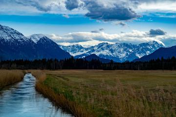 Blick auf den Murnauer Moos mit den Alpen im Hintergrund