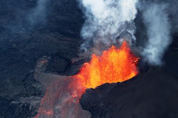 Widok z lotu ptaka na erupcję wulkanu wulkanu Kilauea, Fissure 8, maj 2018