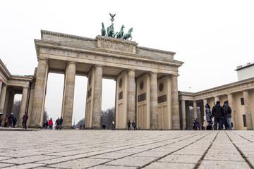 Brandenburger Tor von unten