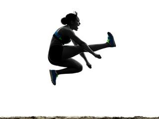 jeden afrykański sportowiec lekkoatletyka skok w dal kobieta na białym tle na białym tle sylwetka