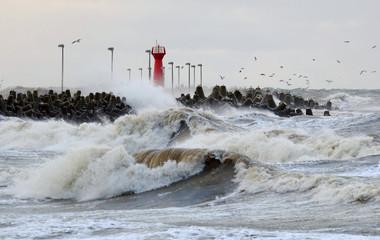 Sztorm na morzu Bałtyckim,Kołobrzeg