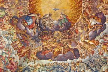 PARMA WŁOCHY, KWIECIEŃ, - 16, 2018: Fresk Święta trójca i święty w chwale w kopule Chiesa di Santa Maria del Quartiere P.A. Bernabei, jego brat Alessandro i G. M. Conti dela Camera.
