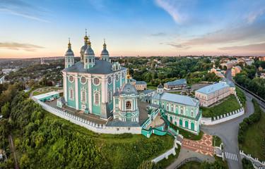 Widok z lotu ptaka Uspenskiy Cathedral w Smoleńsku, Rosja