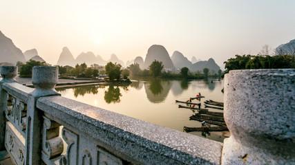 krajobraz most Guilin Lijiang rzeki, Guangxi, Chiny.