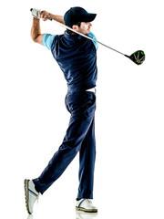 jeden golfista kaukaski mężczyzna gra w golfa w studio na białym tle