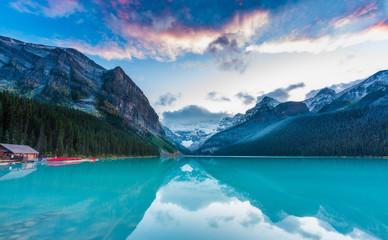 Zmierzch przy Jeziornym Louise, Skaliste góry Kanada