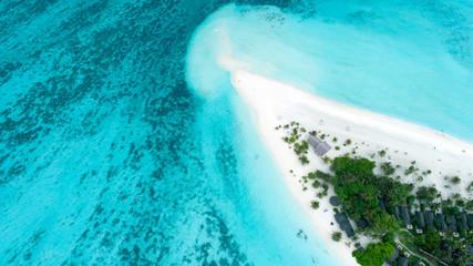 Niesamowity widok z lotu ptaka na Malediwach