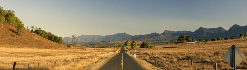 Widok sucha wieś w Tarome, Sceniczny obręcz, Queensland.