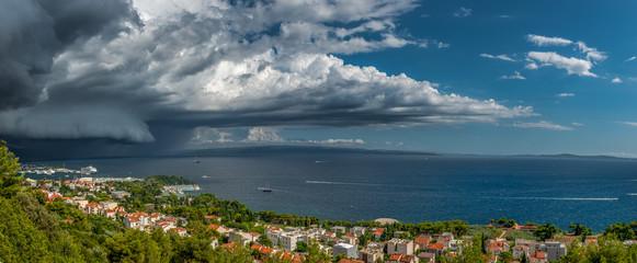 Burzowa panorama Splitu
