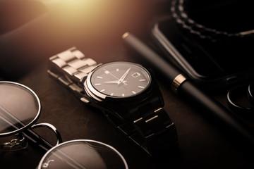 luksusowy męski zegarek na rękę