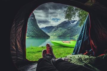 Sceniczne miejsce namiotowe w Norwegii