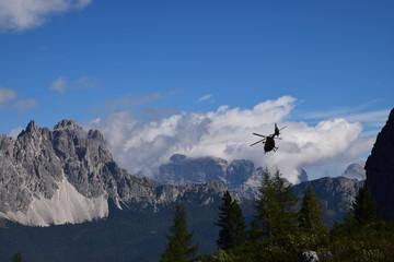 Soccorso alpino sulle Dolomiti