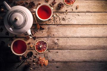 Czajnik i filiżanka herbaty