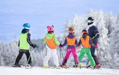 Szkółka narciarska na szczycie góry