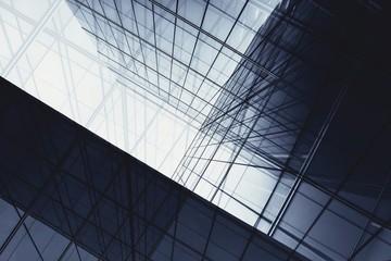 architektura geometrii w oknie szklanym - monochromatyczna
