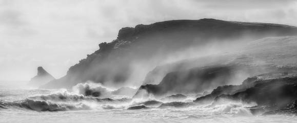 Przybrzeżne wichury nad Trevose Head w Kornwalii