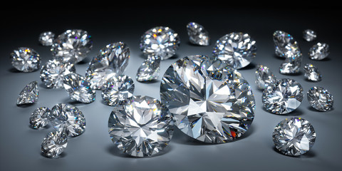 Diamanten auf dunklem Untergrund