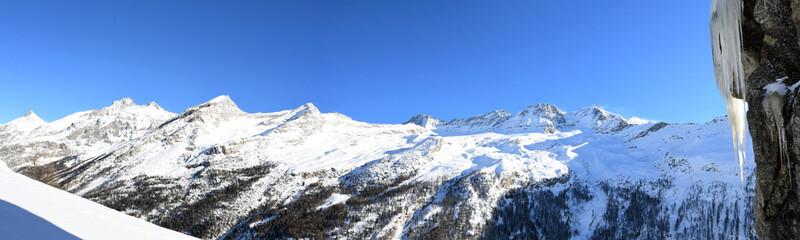 Panorama sulle montagne del Gran Paradiso