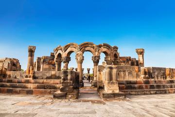 Ruiny średniowiecznej świątyni Zvartnots w Armenii