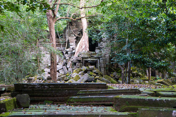 ruin at Beng Mealea temple