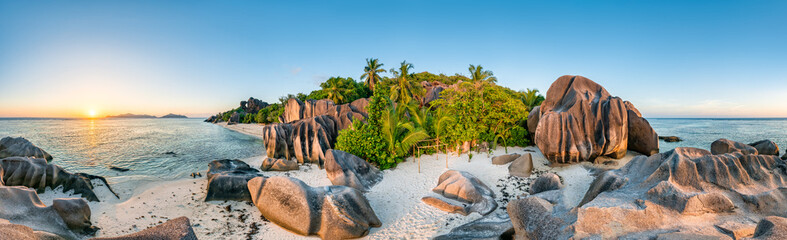Sonnenuntergang am Anse Source d'Argent, La Digue, Seychellen