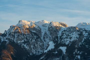 Untersberg mit Schnee bei Sonnenuntergang