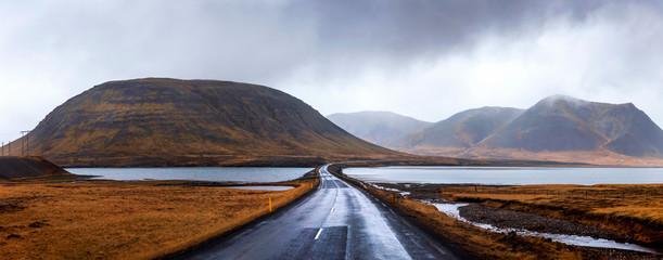 Islandzka droga na półwyspie Snaefellsnes Islandii
