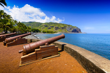 Historyczna broń w miejscu Le Barachois, Saint Denis, Reunion