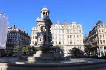 Lyon - La place des Jacobins et sa fontaine