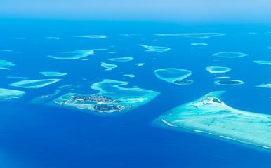 Wyspy Malediwy widok z góry z okna samolotu