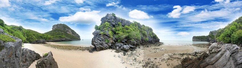 Panorama krajobraz wyspy i piaska plaża przy Songpeenong plażą Ko Paluai, Mu Ko Ang Thong park narodowy