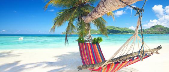 Urlaub in der Hängematte am Strand