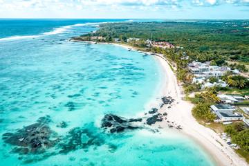 Widok z lotu ptaka plaż Belle Mare, Mauritius.