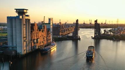 Hamburg Rethespeicher mit Retheklappbrücke